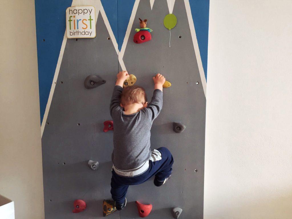 Kletterwand für Flo zum 1. Geburtstag