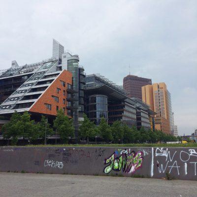 Berlin und Blogfamilia, GoWithTheFlo26 moonstone